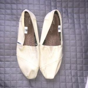 Toms Cream Canvas Classic Slip Ons, Brand New 9